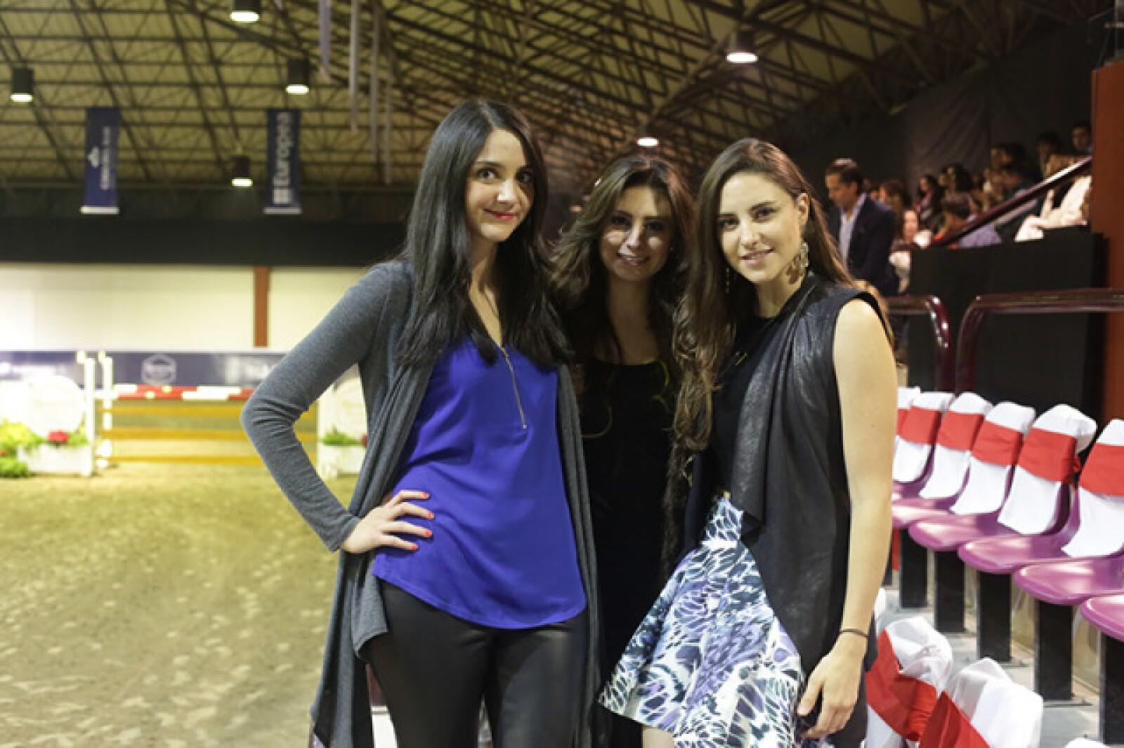 Paola del Castillo,Ileana Suárez y Ana Matute