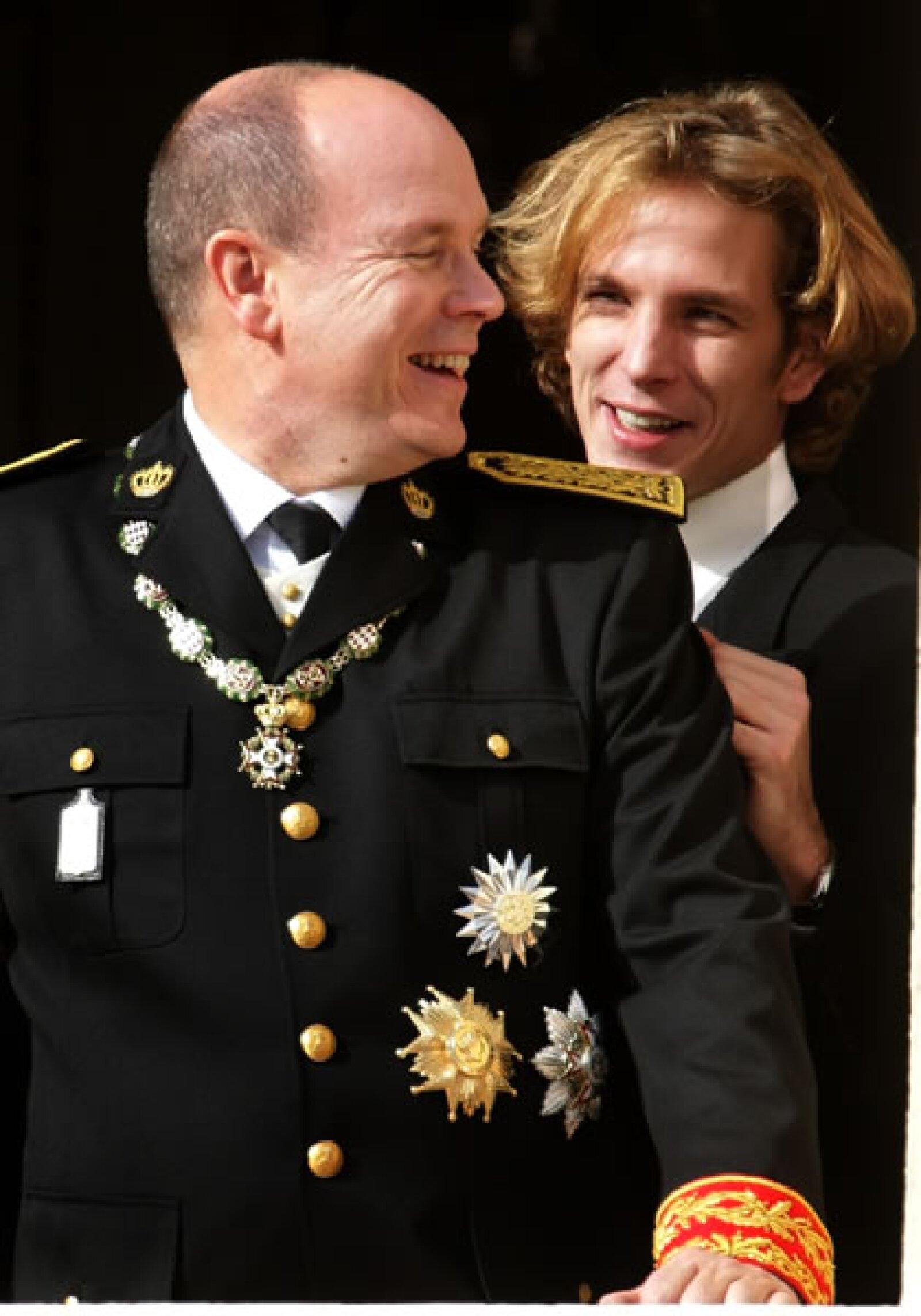 Andrea se divierte con su tío el Príncipe Alberto, que de no dejar descendencia legítima, dejaría al joven de 27 años como el heredero al trono de los Grimaldi.