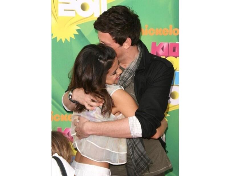Desde que se dio a conocer la triste noticia sobre la muerte del actor de Glee, muchos de sus compañeros, fans y familiares han hablado o demostrado su dolor.
