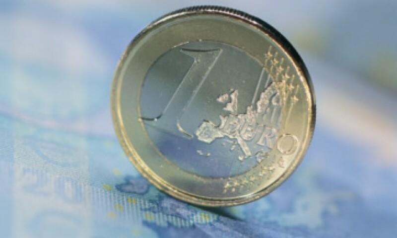 El euro también se vio afectado por la posibilidad de que 15 naciones de la zona euro sufran un recorte a sus notas.  (Foto: Thinkstock)