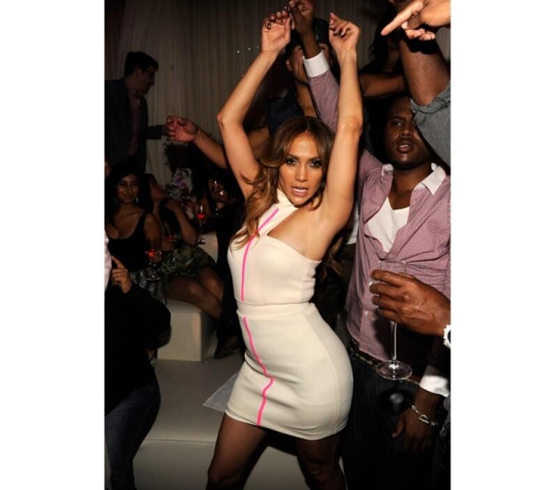 La cantante se divirtió como nunca, cantó y bailó.