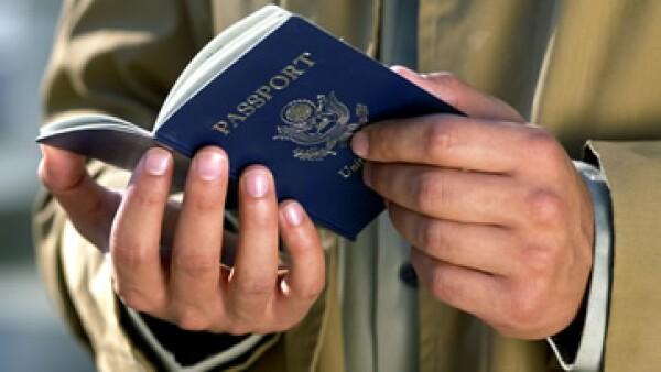 La tarifa para las tarjetas de cruce fronterizo (BCC) para mayores de 15 años subirá de 140 a 160 dólares. (Foto: Thinkstock)