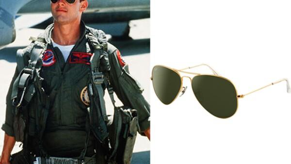 Nadie olvidará a Tom Cruise con su atuendo de piloto y aviators de RayBan en Top Gun.