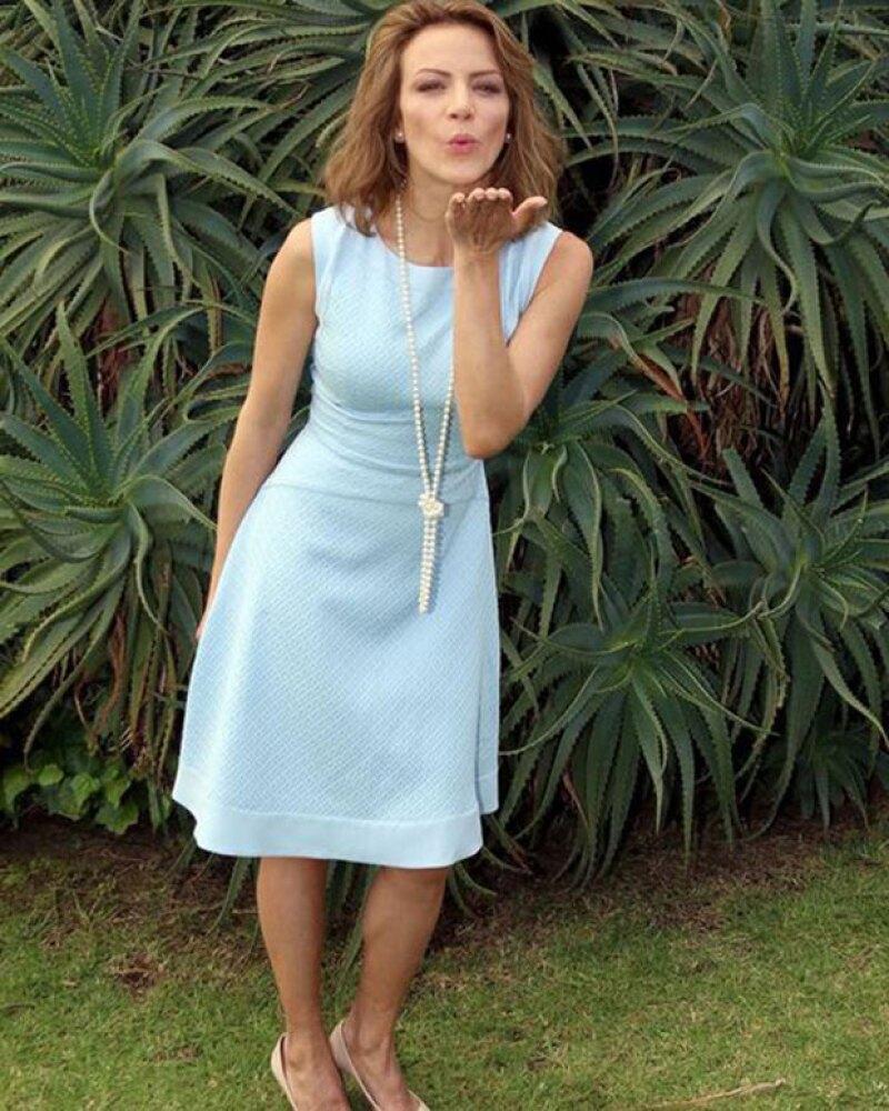 """Por exigencias de su personaje en la telenovela """"La Candidata"""", la actriz luce un long bob que la hace lucir más joven y fresca. ¿Te gusta el cambio?"""