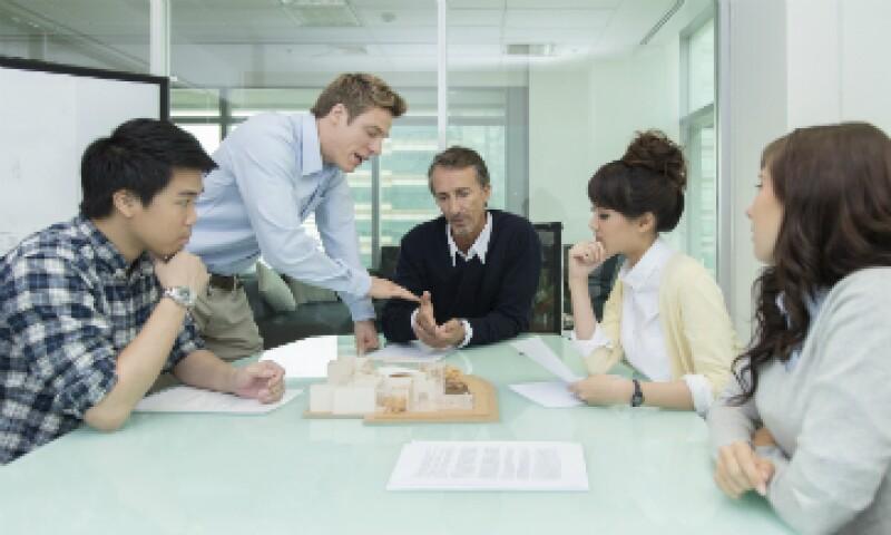 Las empresas desconocen que pueden estar perdiendo alrededor de 15,000 pesos por hora improductiva de junta. (Foto: iStock by Getty Images)