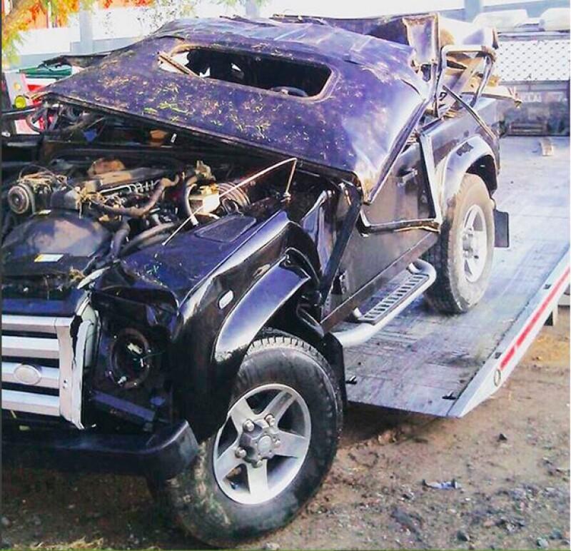 Así quedó el auto de Alejandro Fernández tras su choque.