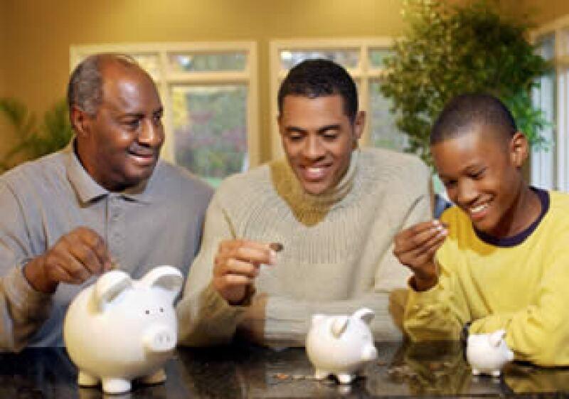 Los niños deben tener el control de su dinero desde pequeños, sin estar ceñidas a premios o castigos. (Foto: Jupiter Images)