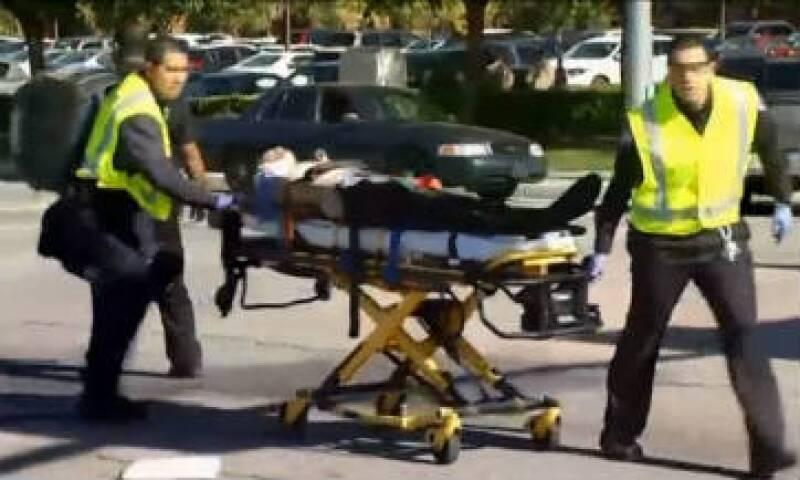 Según información de la cuenta de Twitter del condado de San Bernardino, la Policía de San Bernardino confirmó que hay de 1 a 3 sospechosos. (Foto: Reuters )