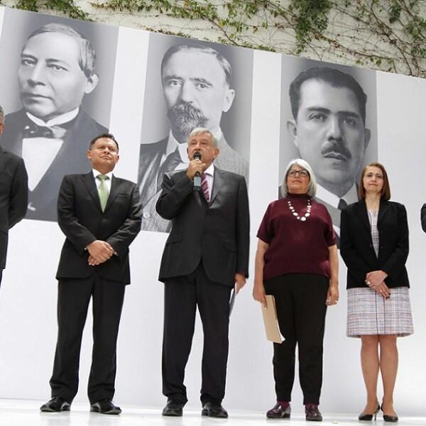López Obrador presenta a subsecretarios en Economía