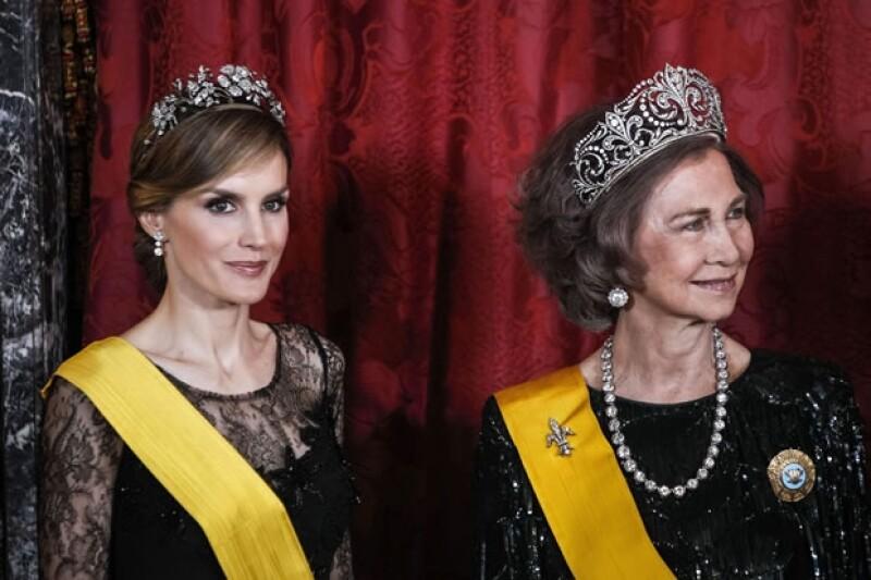 Con la coronación de su esposo Felipe, Letizia no sólo adquirirá nuevas responsabilidades, también se hará de una imponente colección de tiaras.