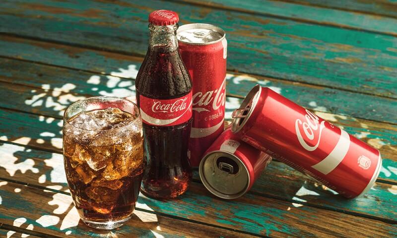 Por Qué La Imagen De Coca Cola Es Roja