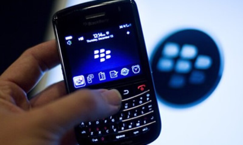 BlackBerry dijo que una de cada cinco aplicaciones que se descargan en BlackBerry App World está conectada a BlackBerry Messenger. (Foto: Reuters)