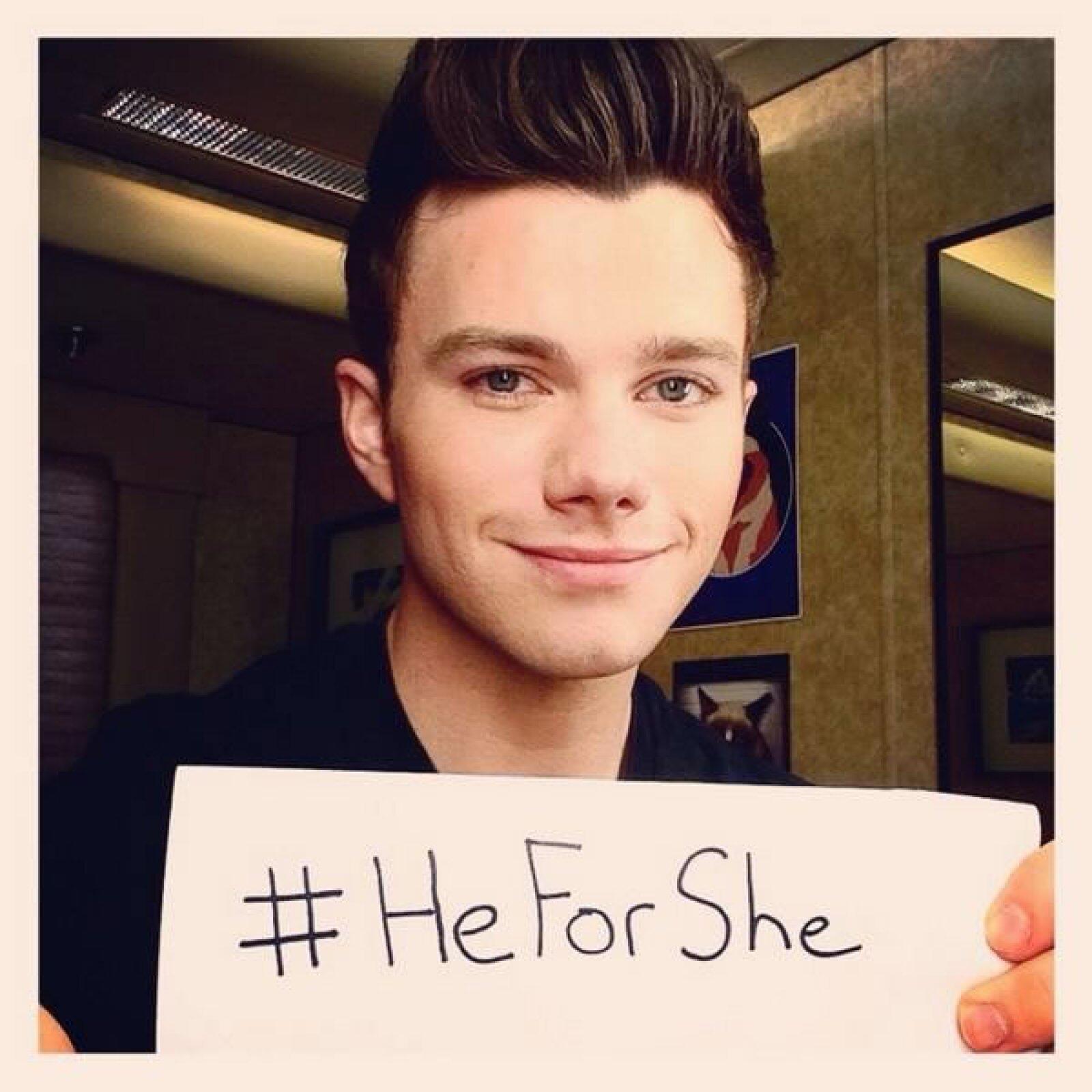 El actor de Glee, Chris Colfer, dijo: `#HeForShe es una gran causa que apoyar. Estoy orgulloso de ti, Emma Watson.´