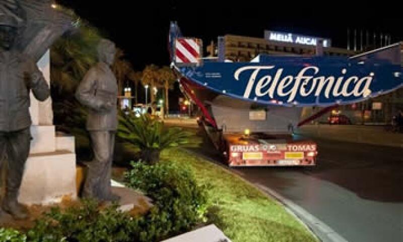 El Gobierno español también señaló desconocer cualquier plan de la compañía estadounidense por hacerse con el control de Telefónica. (Foto: AP)