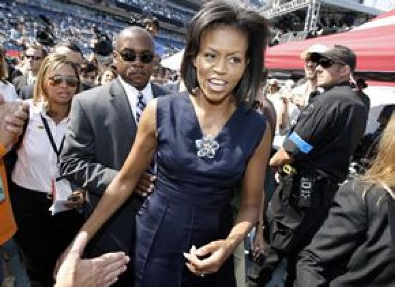 El estilo de la esposa del candidato demócrata la logró ubicar en la décima posición de la lista que realiza anualmente la revista People.