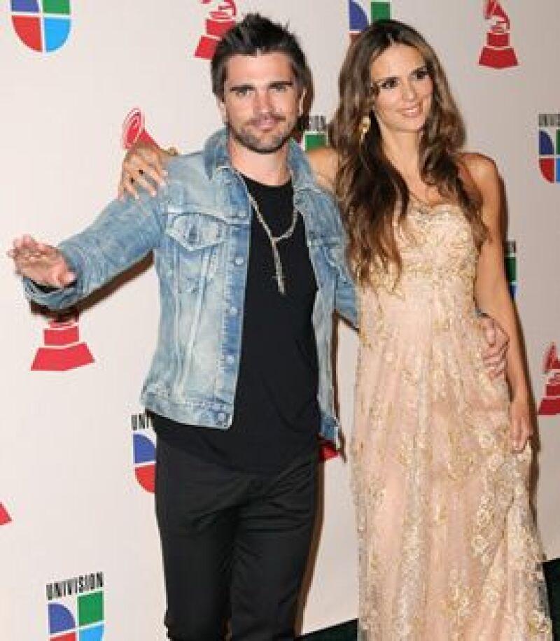 El cantante colombiano y su esposa, Karen Martínez, están esperando bebé y las hijas de la pareja, Luna y Paloma, aseguran que será niño.