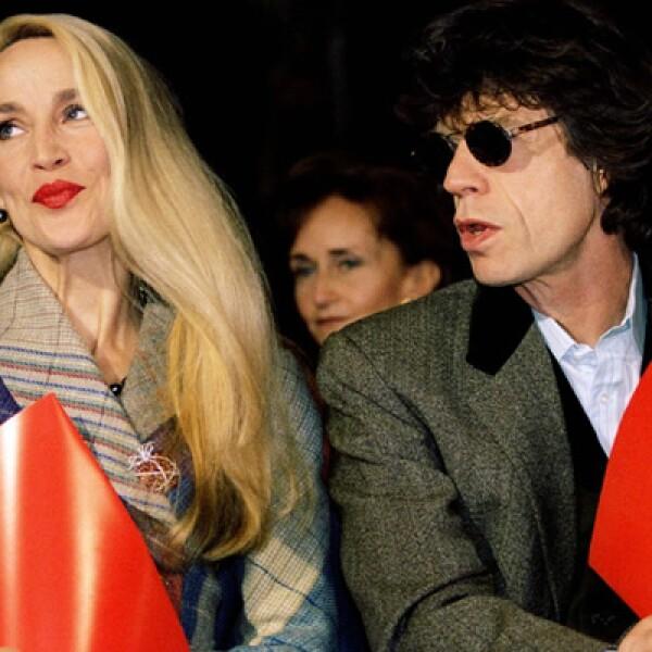Con su segunda esposa, Jerry Hall, tuvo dos hijas que actualmente se dedican al modelaje.