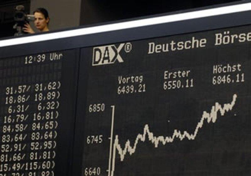 Las acciones europeas también se vieron afectadas por datos de la inflación estadounidense. (Foto: AP)