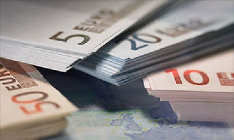 La moneda común ha evitado que los países en problemas recurran a la devaluación como una medida para aligerar su deuda. (Foto: Cortesía CNNMoney.com)