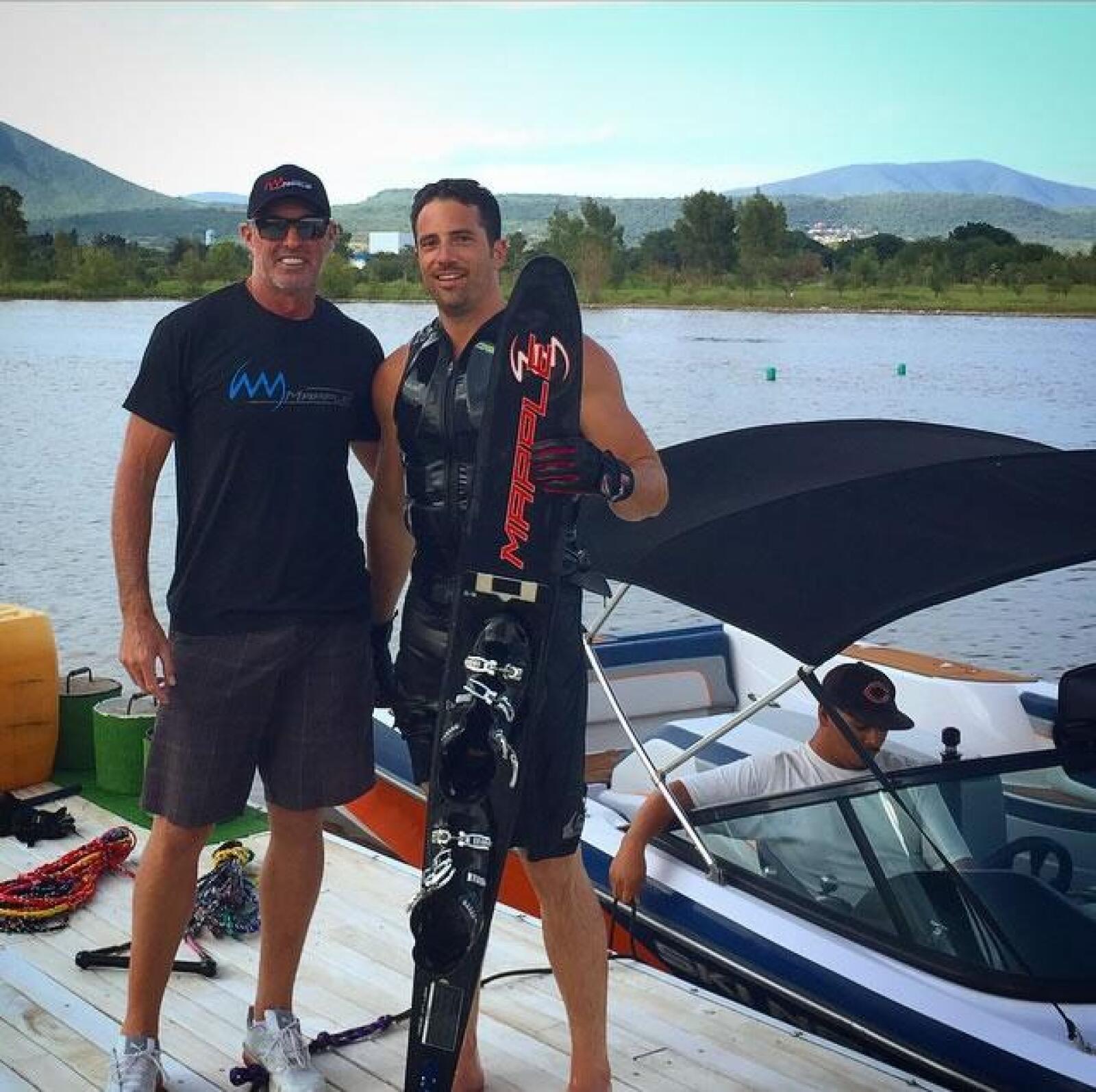 Alejandro Litchi divirtiéndose en Boca Laguna