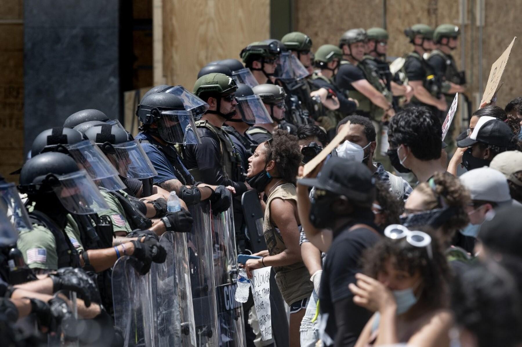 Protestas multitudinarias