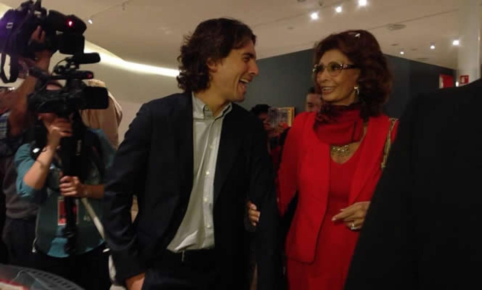 Carlo Ponti, hijo de la actriz, acompañó a Loren durante la inauguración.