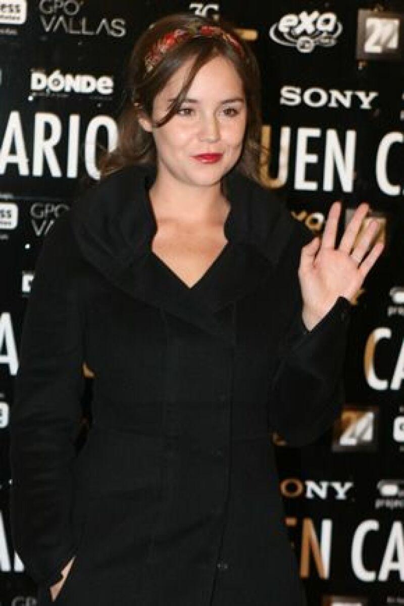 La esposa de Diego Luna acudió al estreno de la obra 'El buen canario' este miércoles, siendo el primer evento al que acude después de haber dado a luz a Jerónimo.