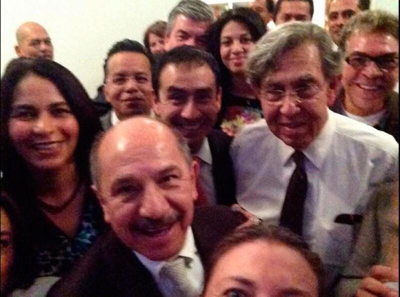 Un grupo de perredistas compartió esta imagen en apoyo a Cárdenas.