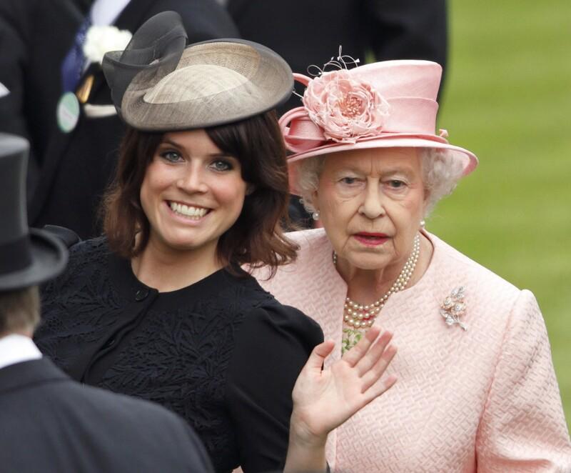 Princesa Eugenia con la reina Isabel