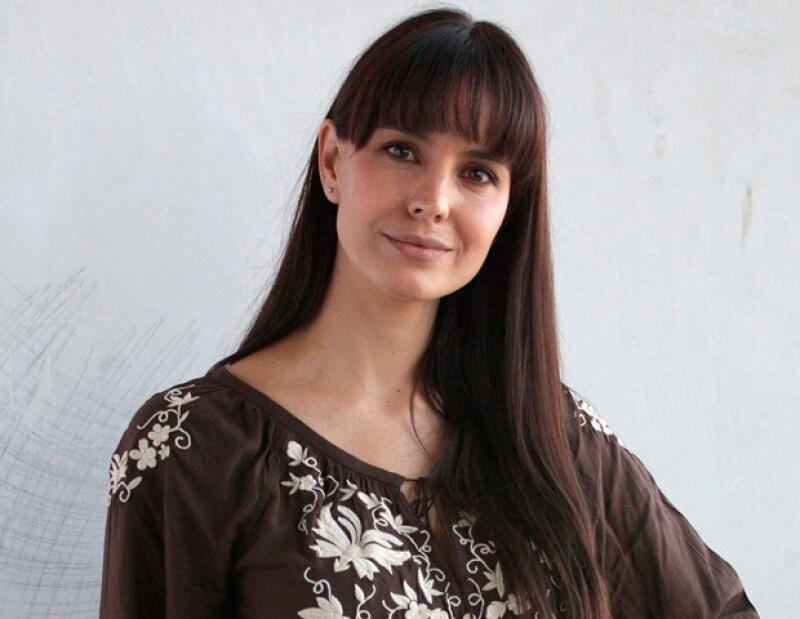 Alejandra Barros indicó que la maternidad cambió su vida en todos los sentidos, más aún que convive con los hijos de su pareja, Gustavo Loza.