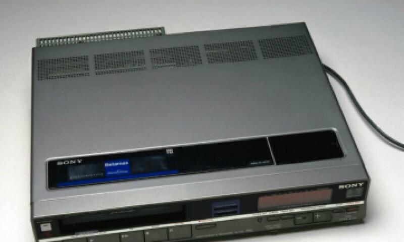 Cuarenta años después de que fue introducido por primera vez, Sony finalmente va a sacar al Betamax de circulación. (Foto: Getty Images)