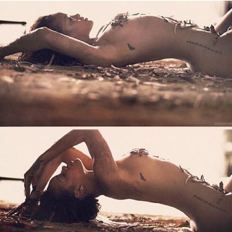 La cantante cambió su foto de perfil de la red social, para mostrarse casi como vino al mundo.