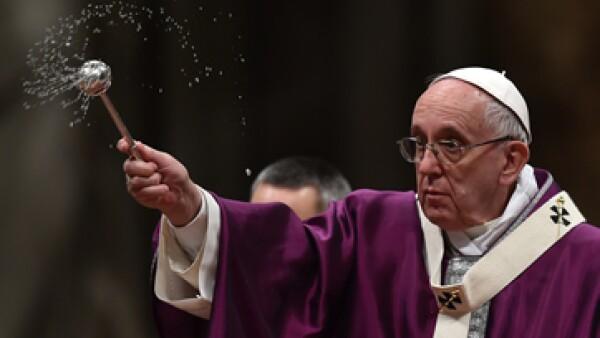 El papa Francisco aterrizará este viernes en la capital mexicana. (Foto: AFP)