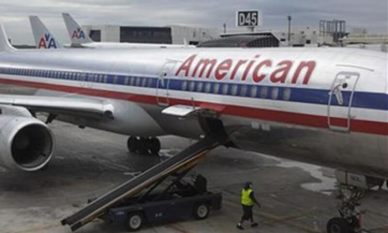 American Airlines indicó que su bancarrota se debe a un aumento en los precios del combustible y la pérdida de clientes. (Foto: Reuters)
