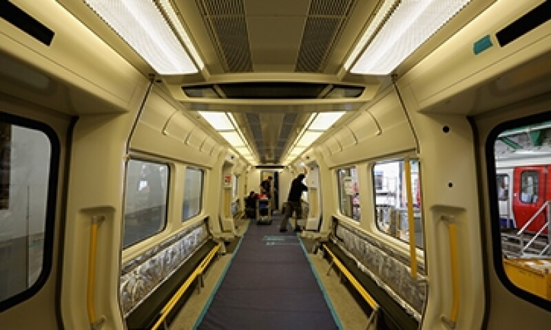 El fabricante de trenes Bombardier construye material rodante tanto para la circulaci�n de trenes de largo recorrido y el metro de Londres.