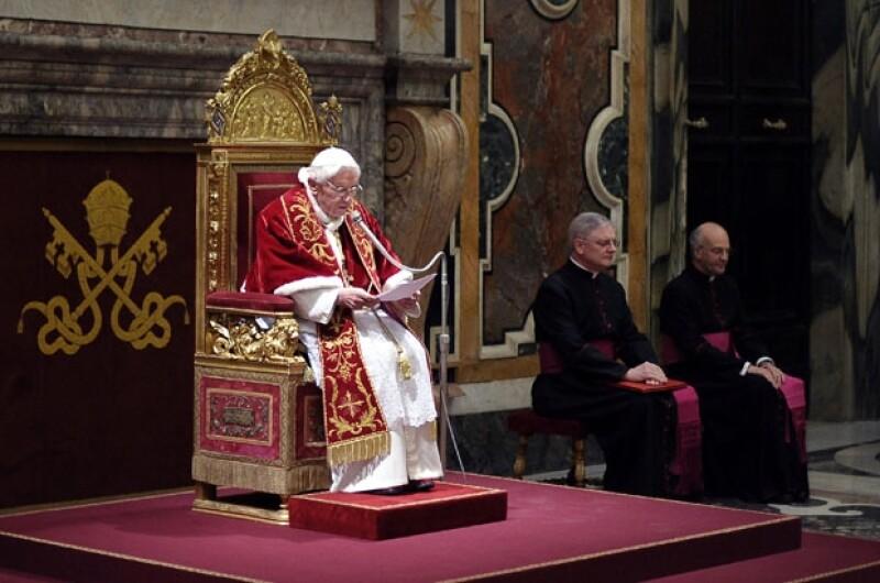 El último día como líder de la iglesia Católica el todavía papa Benedicto XVI terminará a las 20:00 hrs.