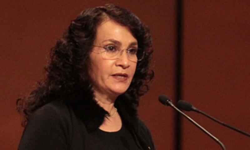 La senadora del PRD afirma que la banca comercial no otorga los créditos que requiere la economía. (Foto: Notimex)