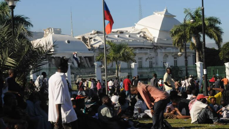 El pasado martes, un terremoto de grado 7.0 destruyó la isla caribeña de Haití. En la foto, escombros del palacio de gobierno en Puerto Príncipe.