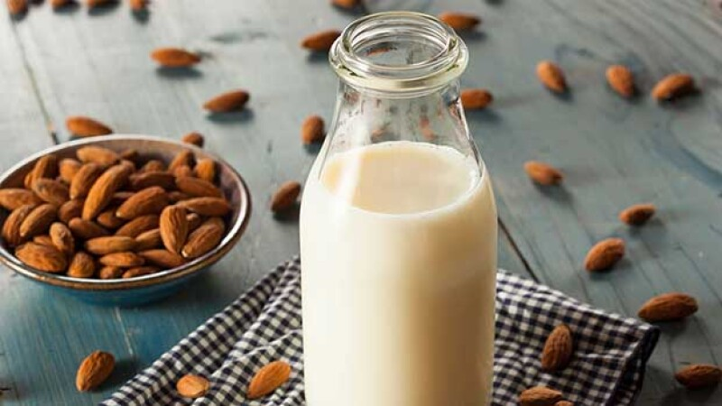 Seguro muchos de ustedes han escuchado diferentes comentarios sobre estos tipos de leche. Cada una es especial y tiene diferentes propiedades y beneficios. Conócelos y decídete por una.