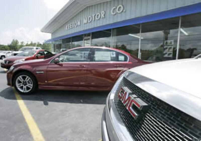 Los planes de reestructuración de GM lo obligan a recortar el número de distribuidoras que posee. (Foto: AP)