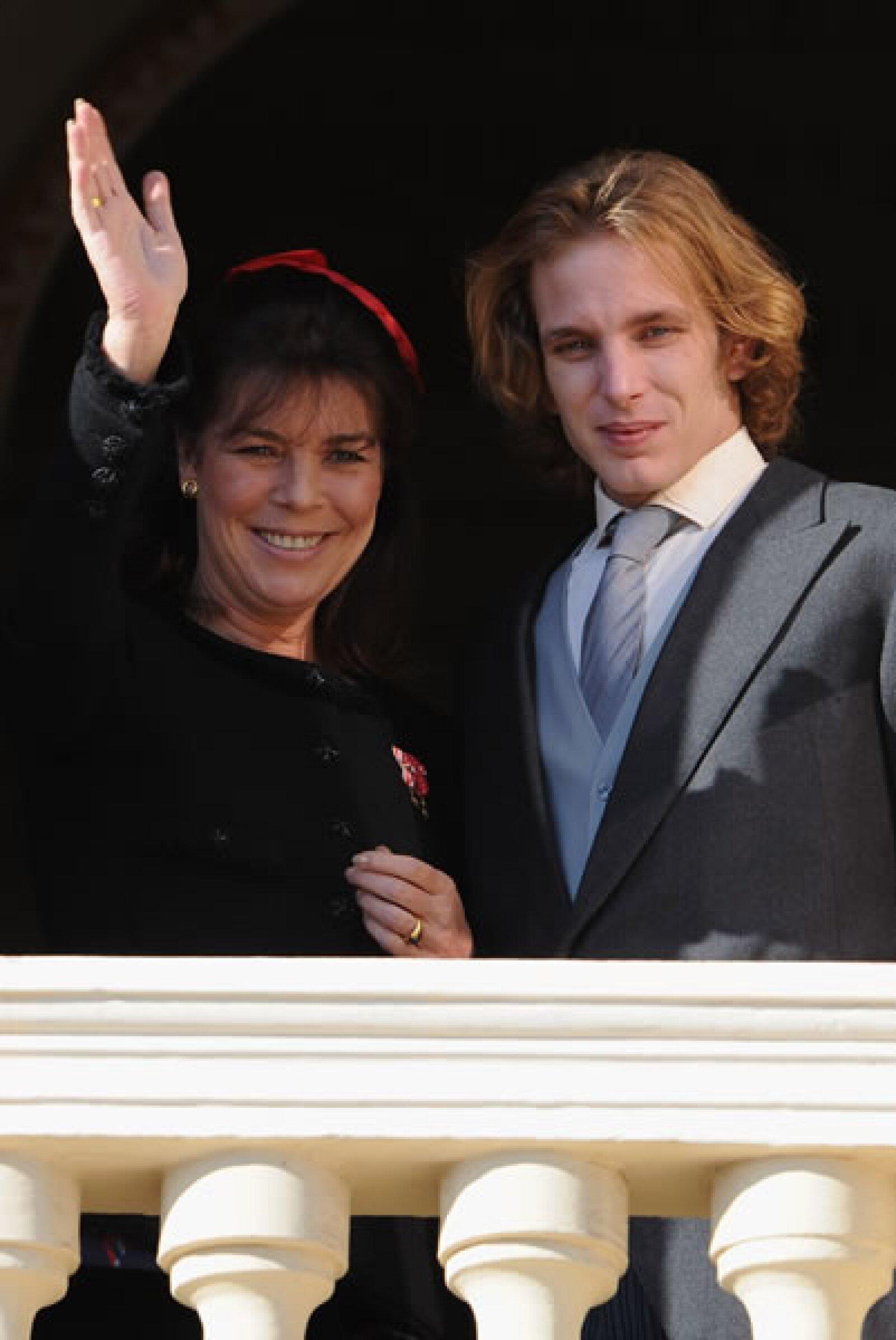 Aunque se parece mucho a su madre, la Princesa Carolina de Mónaco, se puede ver que es aún más parecido a su padre, Stefano.