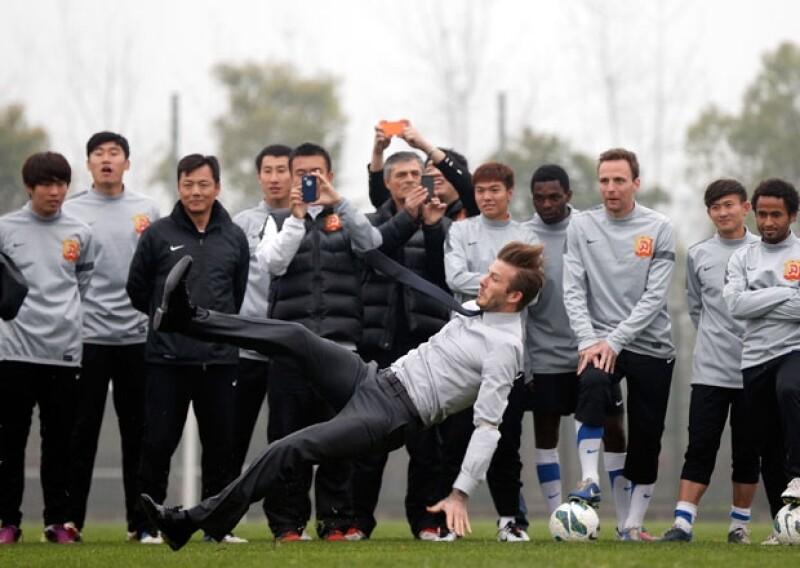 Aunque haya hecho el `oso´ entre sus espectadores, David Beckham parece nunca perder el estilo.