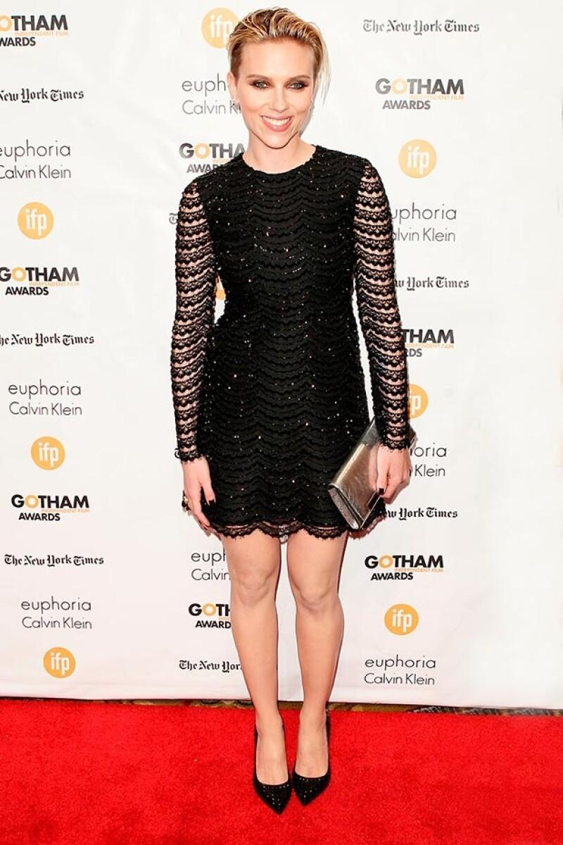 Johansson lució sus sexys piernas la noche de ayer en los Gotham Independent Film Awards.