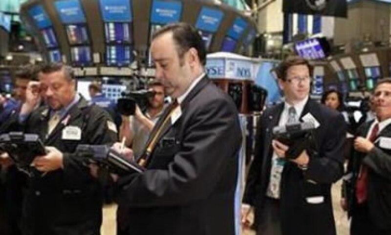 El escaso volumen negociado en Wall Street anticipa jornadas volátiles. (Foto: Reuters)