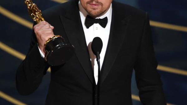 Fans del actor se reunieron en El Ángel de la Independencia, en la Ciudad de México, y en La Minerva, en Guadalajara, para celebrar su Oscar. En Chile, Argentina y Perú también hubo festejos.
