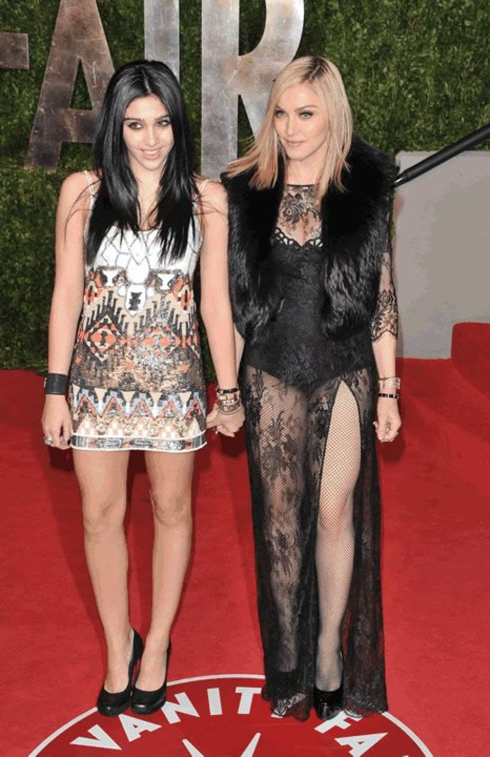 Madonna y Lourdes Leon- A la joven de 18 años también le gusta experimentar con sus looks y la moda. En alguna ocasión ayudó a su mamá a diseñar la línea de ropa Material Girl.