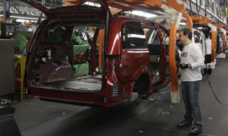 La revisión de vehículos también incluye 69,000 camionetas tipo pick-up. (Foto: AP)