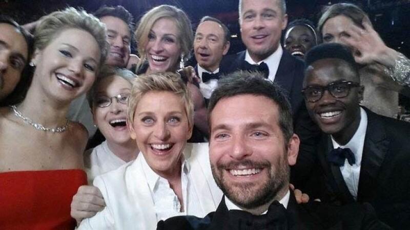 En la selfie: Jared Leto, Jennifer Lawrence, Channing Tatum, Julia Roberts, Kevin Spacey, Brad Pitt, Lupita Nyong´o, Angelina Jolie, Meryl Streep, Ellen DeGeneres, Bradley Cooper y Peter Nyong´o.