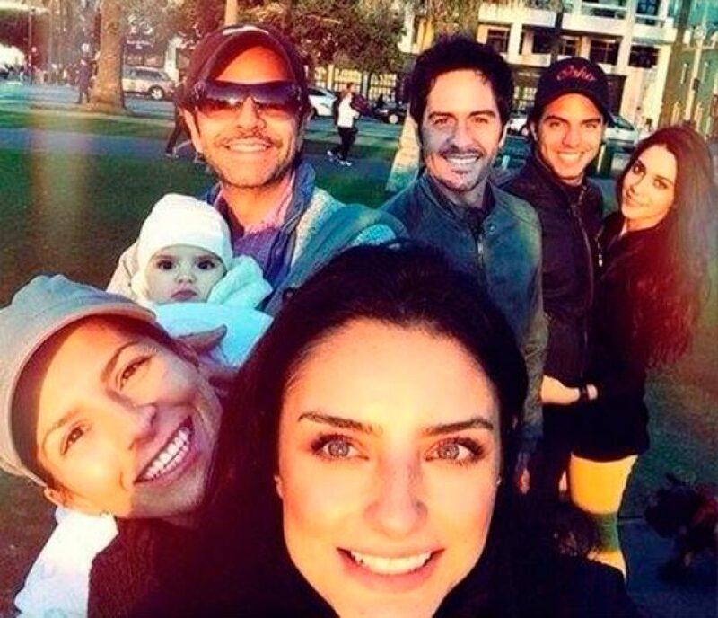 El comediante agradeció a Alessandra por unir a su familia.