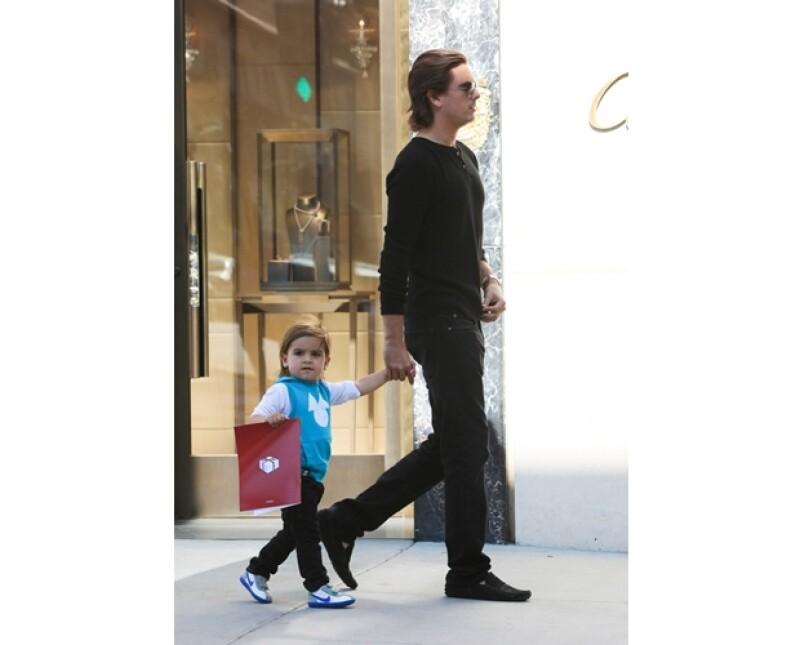 El pequeño hijo de Kourtney Kardashian es conocido por sus looks preppy, que sin duda `copia´ de su papá, Scott Disick.